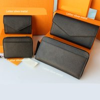 Top waist bags 2021 mens and womens leather short double fold credit card envelope bag Coin Wallet Gift Box delivery