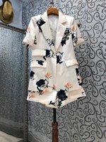 Kadın Eşofman Yüksek Kalite Blazer Setleri 2021 Yaz Kısa Takım Elbise Kadın Çiçek Baskı Mont + Maç Bayanlar Rahat 2 Parça Set