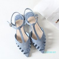 Boussac corta las sandalias planas mujeres puntiagudos de punta de verano Sandalias de playa Mujeres suaves sólidas zapatos de verano