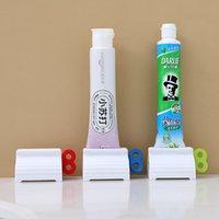 Роллинг-трубка зубная паста Squeezer Cleanser Faceial держатель сиденья стойка вращающаяся зубная паста диспенсер для ванной (три цвета)