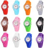 50 шт. Детские дети силиконовые спортивные кварцевые часы мода мальчики девушки желе конфеты красочные студенты пластиковые подарочные часы