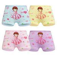 Cuatro pack Ropa interior para niños Boxeadores de algodón para mujer Cortés medio y pequeño Pantalones de seguridad para bebés