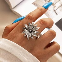 Punk Big Flowers Single Ring for Women Charms Silver Color Alloy Metal Geoemtric Party Bohemian Jewelry