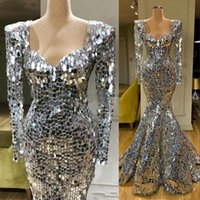 2021 New Sparkly Sequins Silver Mermaid Evening Dresses Long Sleeves Arabic Evening Dress Dubai Long Elegant Women Formal Party Gala Gowns