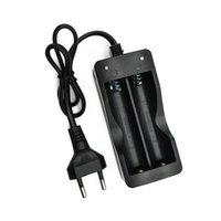 18650 Chargeur de batterie CA 110V 220V Dual Chargeurs pour 18650 3.7V Batterie rechargeable Li-ion Rechargeable US EU CASE DE CHARGE DE CHARGE DROPSHIPS