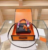 Brandd Crossbody Handbag Diseñador Bolsa de asas Mini Bolsos de Luxurys Bolsos Femenina Classic Moda Matching Seda Bufanda Colgante Juego de tres piezas High Quali