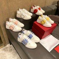 Designer Frau Platform Sneaker Echtes Leder Strass Square Schnalle Niedrige Top Casual Schuhe Wohnungen Runde Zehen Lace-up Hochwertige Schuhe