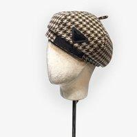 Designer Boinas Letra Letra Luxuoso Estrela Modelo Grade Chapéu Beret Cap Senhora Viagem Ao Ar Livre Quente Inverno ÁreasPode Férias Bonnet Caps