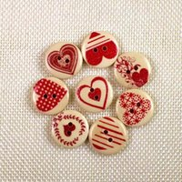 WB-25 großhandel 100 stücke mixcolor rot herz bedruckte holzknöpfe zwei löcher bunte button dekorative nähen handwerk bekleidungszubehör