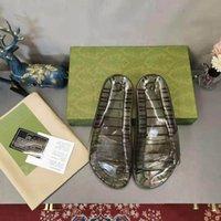 2021 Neueste Damen Sandalen Designer Customized Transparent Color Slipper Schlangenhautmuster