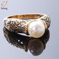 Anello di gioielli in rame vintage Temperamento di pera bianco artificiale per le donne Wedding Engagement Chritmas Annuncio regalo Anelli regalo