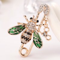 Crystal bee brooch gold bees safety pin corsage scarf buckle dress suit brooches for women men fashion jewelry will and sandy gift