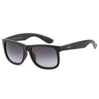 ClásicomauijimGafas de sol Surf / Pesca Gafas de playa Hombre Lente PC polarizada Alta calidad 2021 Marca de moda Diseñadores de lujo para mujeres Tr90 Marco de silicona