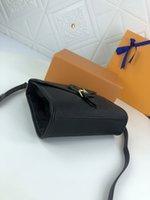 M44919 Nicolas Ghesquiere قماش منقوش إلكتروني شعار السنانير رفرف مشبك قابل للانفصال حزام قابل للتعديل سيدة حمل حقيبة رسول حقيبة الكتف حقيبة