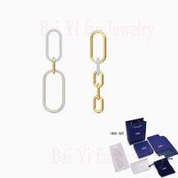 패션 쥬얼리 SWA 새로운 시간과 공간 귀걸이 매력적인 버클 체인 장식 황금 귀걸이 숙녀 럭셔리 쥬얼리 선물 210325