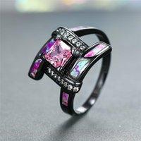 Fedi nuziali Elegante zircone rosa Zircone Square Stone Ring Dainty Bridal Bridal Black Gold Affascinante Fuoco Purple Fire Opal Engagement per le donne
