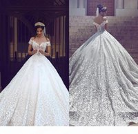 Saudi Arabic Dubai Luxury Short Sleeves Wedding Dresses Off Shoulder Appliques Backless with Sweep Train Bridal Gowns Robe de marriage Cheap