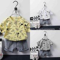 Baby Kids Two Piece Outfits Sommar Shorts Set Boys Tiktok Fashion Cute Tracksuit Designers T Shirt och Korta Jeans Denim Byxor Sportkläder Sportkläder Kläder G59IPG6