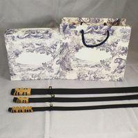 Cintura per donna Moda Fashion Fibbia Lettere Design Man Womens Cinture Genuine Cowidide di buona qualità con scatola