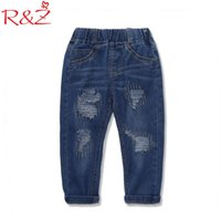Jeans RZ Baby Boy Hose 2021 Frühling Kinder tragen koreanische Version der Hose Loch locker für Kinderkleidung