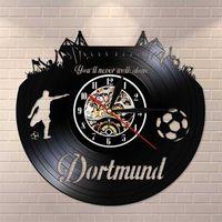 Dortmund City Skyline Horline Horloge murale Allemand States Football Fans Stadium Fans Célexebration Art mural Vinyle Enregistrer Horloge murale Y200109