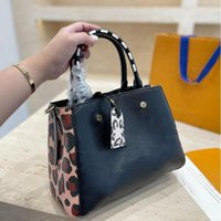Montaigne çanta leopar kabartmalı kılıf kadın çanta tasarımcılar klasik bayan moda omuz çantaları kızlar crossbody alışveriş