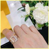 النساء الفضلات مصمم خواتم الماس f الدائري مع مربع ارتباطات للمرأة الحب الدائري مصممين مجوهرات الذهب الدائري هدية بالجملة 21080505Q