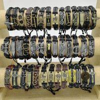 Moda Handmade Bangles 50 pçs / lote Charme Cuff Leather Braceletes Mix Styles Punk Vintage Metal Para Homens e Mulheres Jóias Festa Boa Presentes