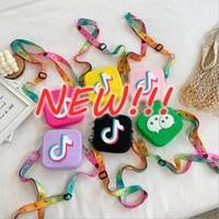 NOUVEAU!!! Tik Tok New Kids Silice Gel Messenger Sac Multipurpose Sac de dessin animé Sac à bandoulière unique pour filles Été petit sac à main en gros expédition rapide