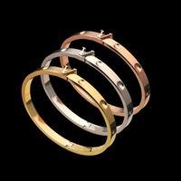 Не выцветший титановый сталь Женщины дизайнер Браслей в Письте Классический паз Круглый браслет для ногтей Золотая серебристая роза Цвета любви Ювелирные изделия Lady Party Gifts
