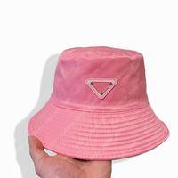 양동이 모자 디자이너 모자 모자 모자 망 맞은 모자 금속 삼각형 비니 보닛 패션 브랜드 여름 해변 casquette gorra 2021042103xv