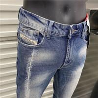 Diseñador de lujo para hombre Jeans Slim-Leg Denim Cowboy Mascule Pantalón Slim-Lam Pantalones Pantalones Classic Hip Hop Straight Biker Pantalones Tamaño 29-40