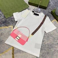 Marque T-shirts Enfants Desigeners Boy Summer Classic Vêtements Tees Girls Tops Taille 100-150