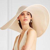 와이드 브림 모자 세련된 밀짚 모자 플로피 포장 태양 모자 소프트 실키 리본 스트랩 Foldable 여행 해변 동반자 UV 해를 줄이기