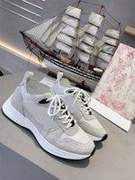 2021 디자이너 Rhyton 스니커즈 신발 남성 여성 트레이너 빈티지 럭셔리 chaussures 숙 녀 스포츠 캐주얼 신발 디자이너 러너 운동화 상자 크기 35-45 021