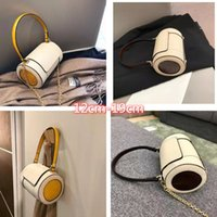Niche brand autumn personality all-match round bag, concave shape, single-shoulder diagonal, contrast color style, fashionable and elegant