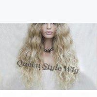 Hot Synthetic African American Perücke schwarze dunkle Wurzeln Ombre zu blonde Farbe Kanekalon Faserqualität natürliche wellenförmige Haarperücken für weiße Frauen