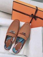 2021 Üstsüz Yarım Terlik Kadınlar Için Şık Flip-Flop Deri Düz Web Ünlü Muller Loafer'lar Hiçbir Topuk Dunks Tasarımcısı