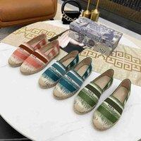 2021 Frauen Sandalen Luxurys Casual Shoe Espadrilles Sommer Designer Damen Flache Strand Halb Hausschuhe Mode Frau Müßiggänger Fischer Leinwand Schuhe mit Box Größe 34-42