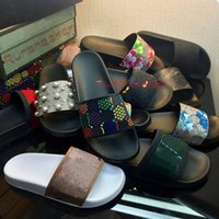 Mit Box Damen Sandalen Mode Luxurys Designer Herren Folien Gummi Breite Flache Rutschige Sandale Flip Flop Blumen Hausschuhe Sommer Outdoor Brokat Vintage Loafers