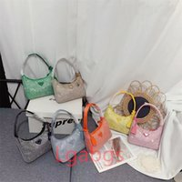 2021 Womens Ombro Bag Bolsas Luxurys Designer Crossbody Backpack Totes Meia Moon Reedição 2005 Designers Bolsas Hobo Underarm Bags