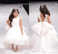 Family Matching Outfits Lovely Open Back Big Bow Girl Pageant Gowns White High Low Flower Dresses For Wedding Jewel Sleeveless Children Comm