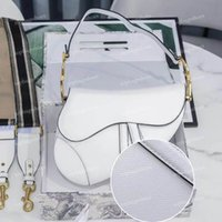 Womens 럭셔리 디자이너 크로스 바디 가방 덤불 겨드랑이 어깨 패션 정품 가죽 안장 가방 토트 중간 달 모양의 핸드백 플랩 메신저