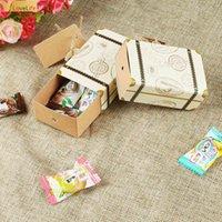 50 unids Maleta Kraft Papel Candy Travel Theme Theme Regalos Caja Boda Cumpleaños Aniversario Favores Para Party Baby Shower