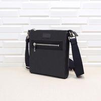 남성 크로스 바디 가방 12 스타일 다양 한 크기 핸드백 Luxurys 디자이너 가방 Pochette 다중 포켓 523599