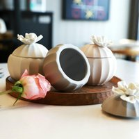 Storage Bottles & Jars American Ceramic Matte Tank With Flower Cover Simple Home Small Jewelry Box Candle Holder Decoration
