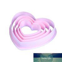 4 pcs Plastic Heart Pattern Corte Morre Molde Set Moldes De Cookie Set Cutters Bolo Ferramentas de Cozimento