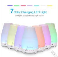 Home Duftlampen 110V 11W 200ml Aroma Diffusor Kunststoff unabhängig mit weißer Fernbedienung Buntes Licht