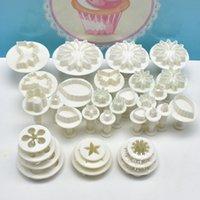 33pcs / set plastblomma Fondant kaka dekorationsverktyg socker hantverk plunger cutter bakning kakor mögel köksredskap