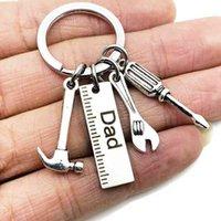 Giornata del padre Acciaio inox Portachiavi Cartoon Key Anello Dad Papa Papa Grandpa Hammer Screwdriver Chiavente Righello DAD'S Strumenti regalo Charms GG35NYNY